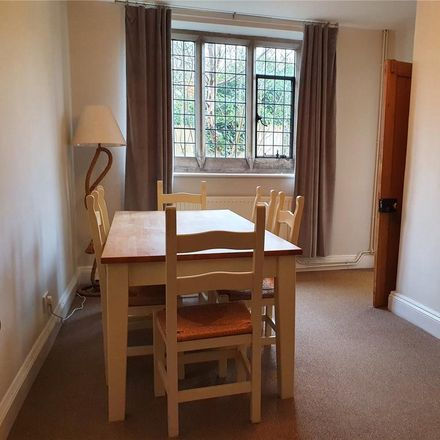 Rent this 3 bed house on The Three Horseshoes in 23 High Street, Wellingborough NN6 0QA
