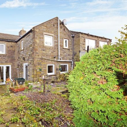 Rent this 3 bed house on Sunnymeade in Penistone Road, Kirklees HD8 8XU