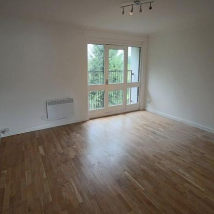 Rent this 2 bed apartment on Tiree Crescent in Newmains ML2 9JA, United Kingdom