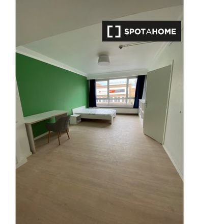 Rent this 1 bed room on Carrefour Market in Tomberg 96-114, 1200 Woluwe-Saint-Lambert - Sint-Lambrechts-Woluwe