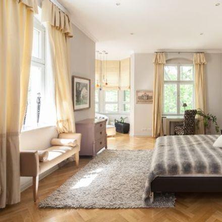 Rent this 3 bed apartment on Villa Holmgren in Hagenplatz 7, 14193 Berlin