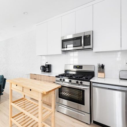 Rent this 6 bed apartment on 913 St Marks Ave in Brooklyn, NY 11213