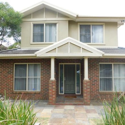 Rent this 4 bed townhouse on 1/100 Locksley Road