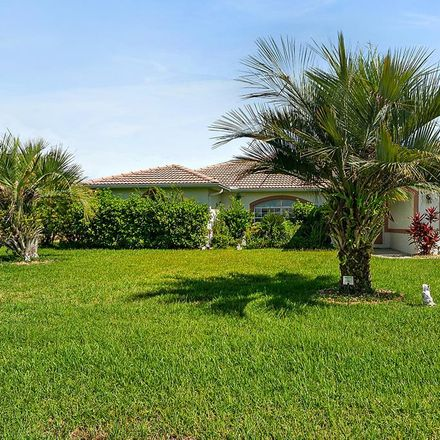 Rent this 3 bed apartment on 3 Charles Court in Palm Coast, FL 32137