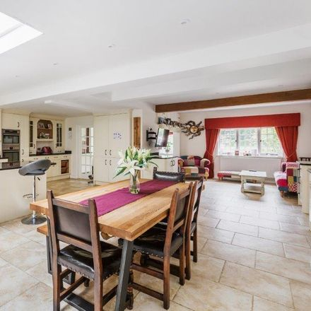Rent this 6 bed house on Marringdean Road in Horsham RH14 9HQ, United Kingdom