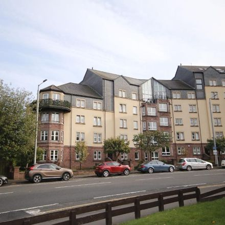 Rent this 3 bed apartment on Clarence Drive in Glasgow G11 7JU, United Kingdom
