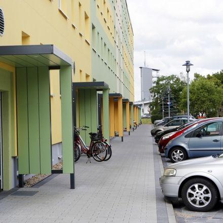 Rent this 3 bed apartment on Eike-von-Repgowe-Straße 3 in 06849 Dessau-Roßlau, Germany