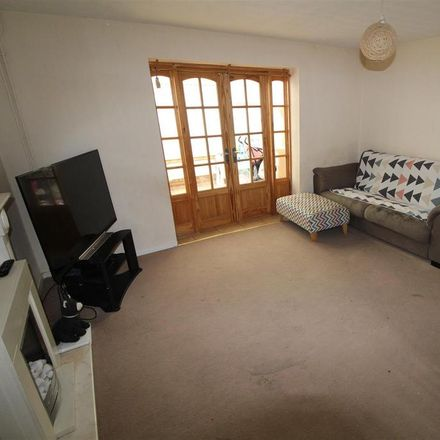 Rent this 3 bed house on Houghton Regis LU5 5SP