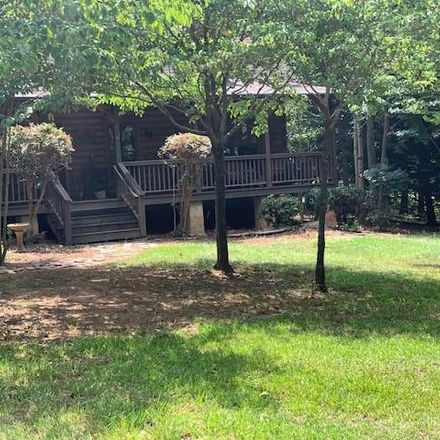 Rent this 3 bed loft on Player Ln in Westminster, SC