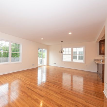 Rent this 3 bed apartment on 2nd St in Keyport, NJ