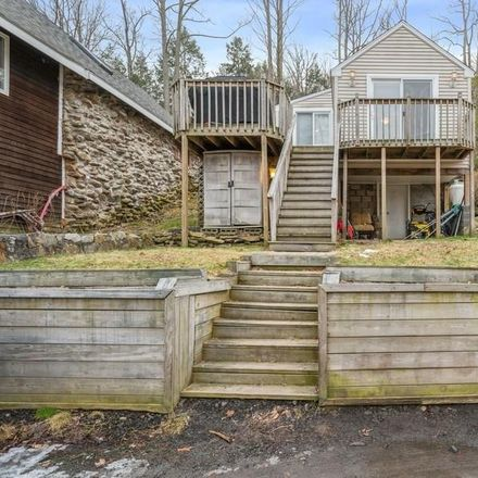 Rent this 1 bed house on 84 Edgelake Drive in Newtown, CT 06482