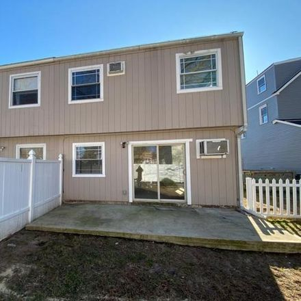 Rent this 3 bed apartment on 385 Thomas Street in Teaneck Township, NJ 07666