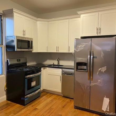 Rent this 4 bed apartment on 1033 East 225th Street in New York, NY 10466