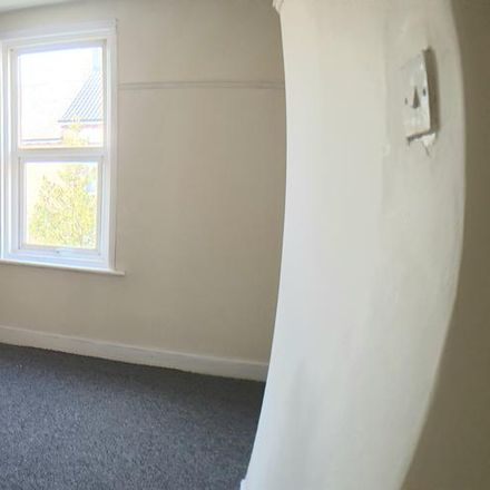 Rent this 2 bed house on Ingoe Street in Newcastle upon Tyne NE15 8DN, United Kingdom