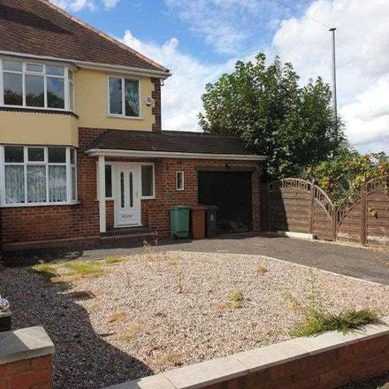Rent this 3 bed house on Delves Crescent in Walsall WS5 4LT, United Kingdom