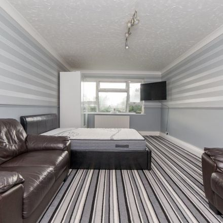 Rent this 3 bed apartment on Hackington Crescent in London BR3 1RW, United Kingdom