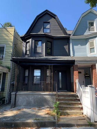 Rent this 3 bed house on 90th Street in New York, NY 11421
