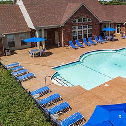 Rent this 2 bed apartment on Lake Saint Louis in Baise Court, Lake Saint Louis