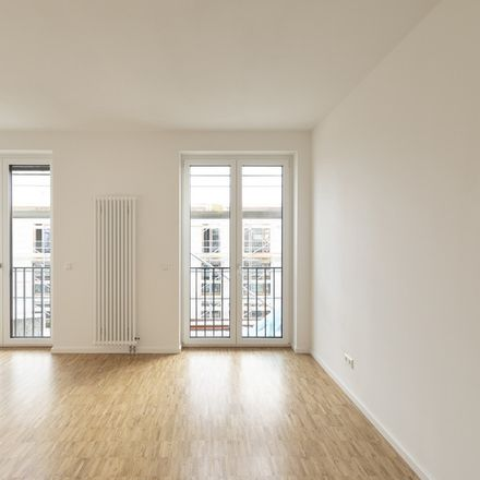 Rent this 3 bed apartment on 69115 Heidelberg