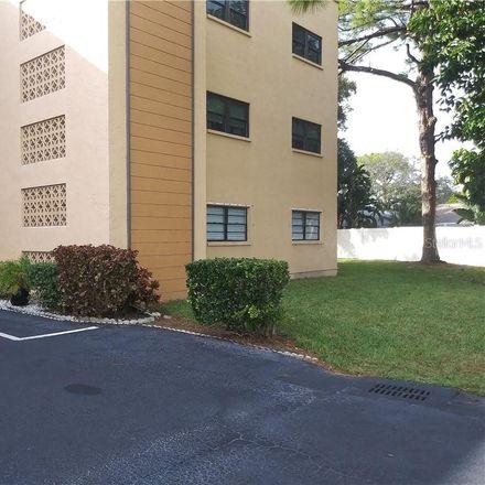 Rent this 2 bed condo on N Park St in Saint Petersburg, FL