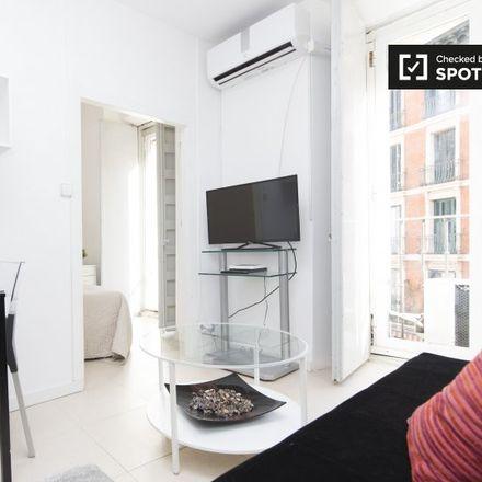 Rent this 2 bed apartment on Art Hostal in Calle del Conde de Romanones, 9