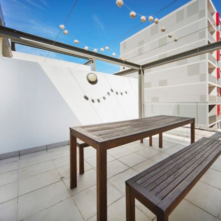 Rent this 1 bed apartment on 5 - 13 Larkin Street
