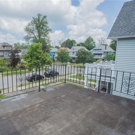 Rent this 3 bed apartment on Summit Ave in Buffalo, NY
