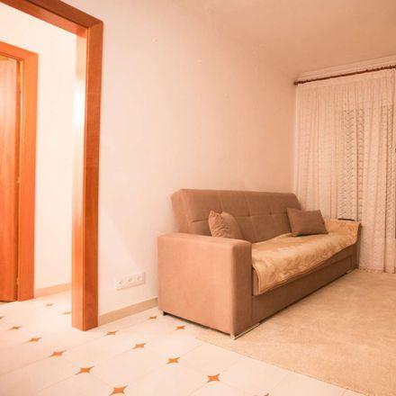 Rent this 1 bed room on Carrer de Lorenzale
