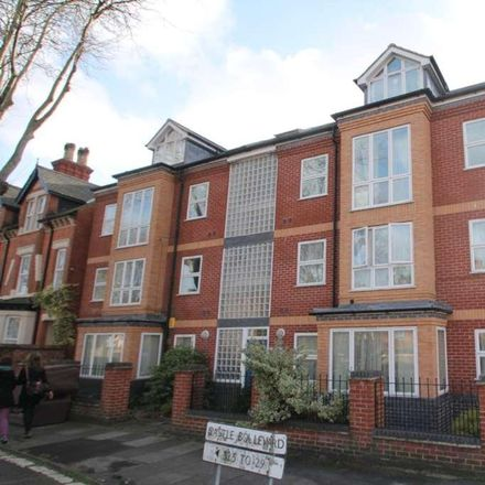 Rent this 4 bed apartment on 315 Castle Boulevard in Nottingham NG7 1HP, United Kingdom