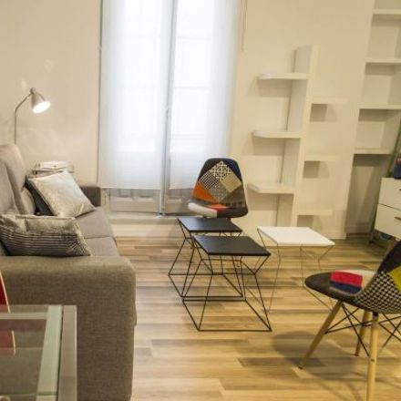 Rent this 3 bed apartment on Calzedonia in Calle Preciados, 11