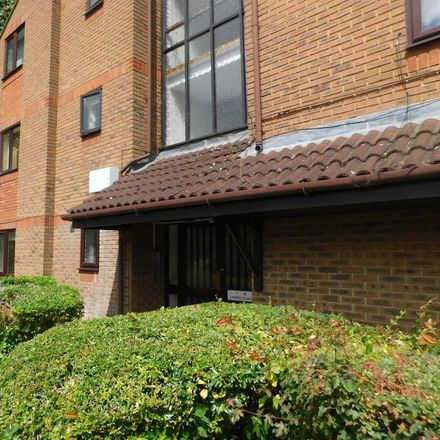 Rent this 1 bed apartment on London Road in Spelthorne TW18 4BN, United Kingdom