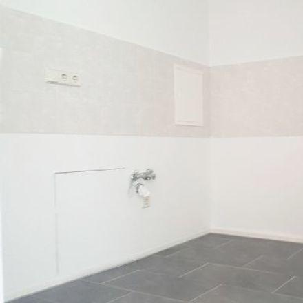 Rent this 3 bed apartment on Albert-Köhler-Straße 12 in 09122 Chemnitz, Germany