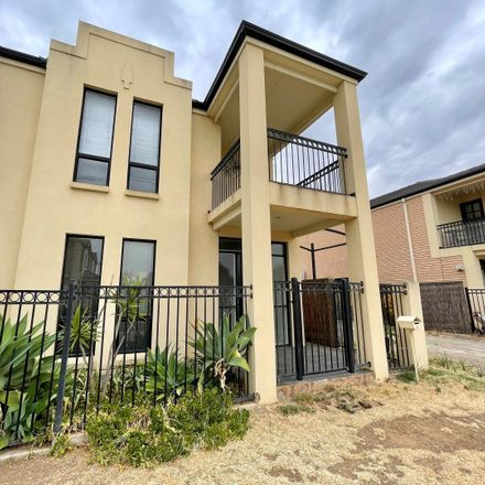 Rent this 3 bed townhouse on 5 Cobblers Court
