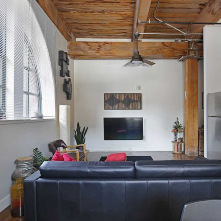 Rent this 2 bed apartment on Lucas Place in 323 West 8th Street, Kansas City