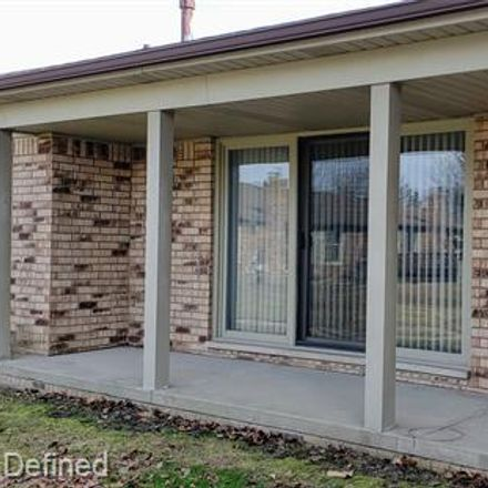 Rent this 2 bed condo on Shelby Blvd in Utica, MI