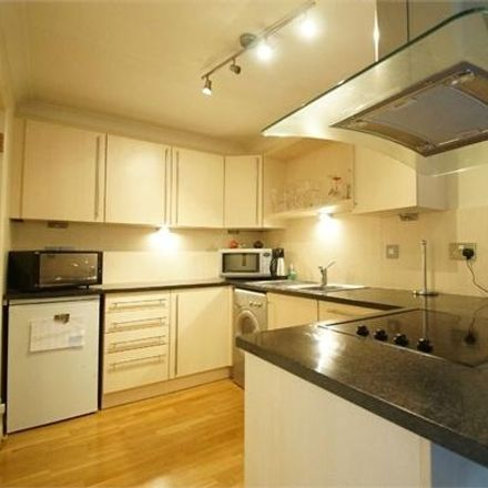 Rent this 2 bed apartment on Queens Road in Elmbridge KT13 0AT, United Kingdom