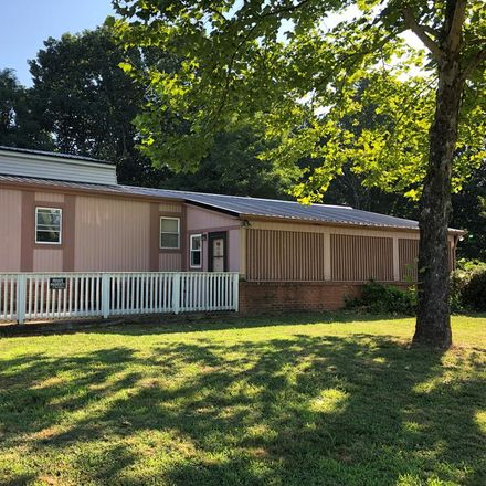 Rent this 2 bed house on 18455 Richmond Hwy in Pamplin, VA