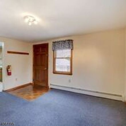 Rent this 3 bed townhouse on Budd St in Morristown, NJ