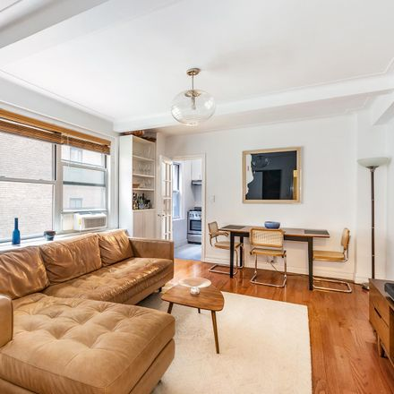 Rent this 2 bed condo on Remsen St in Brooklyn, NY