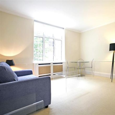 Rent this 1 bed apartment on Daver Court in Chelsea Manor Street, London SW3 3UB