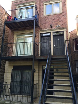 Rent this 3 bed townhouse on 364 North Hamlin Avenue in Chicago, IL 60651