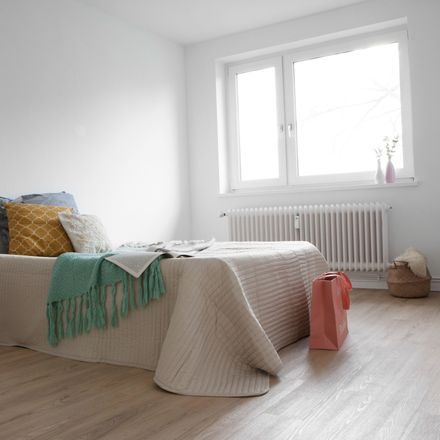 Rent this 3 bed apartment on August-Hinrichs-Straße 8 in 21680 Stade, Germany