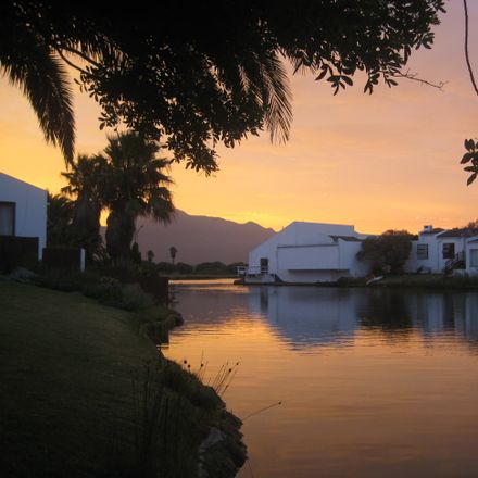 Rent this 1 bed house on Zandvlei Estuary Nature Reserve in Twagen Road, Muizenberg