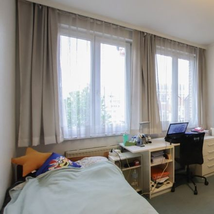 Rent this 3 bed apartment on Mich & co in Chaussée de Wavre - Waverse Steenweg 243, 1050 Ixelles - Elsene