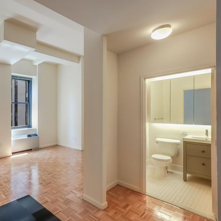 Rent this 1 bed loft on Martin Busch Jewelers in 85 John Street, New York