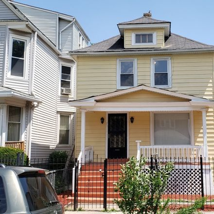 Rent this 3 bed house on 737 North Lockwood Avenue in Chicago, IL 60644