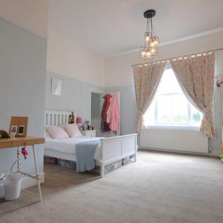 Rent this 5 bed house on Silvan Court in Macclesfield SK10 3QL, United Kingdom