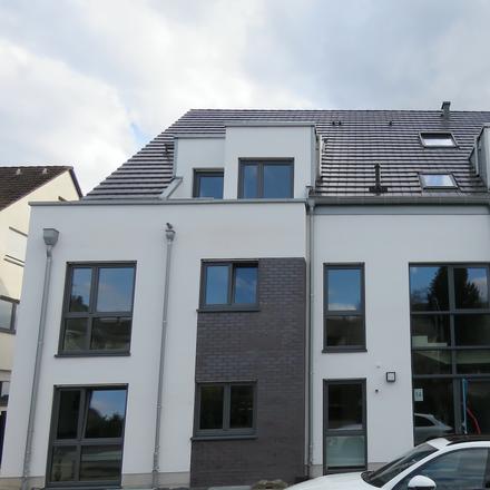 Rent this 2 bed apartment on Oberheidkamper Straße 16 in 51469 Bensberg, Germany