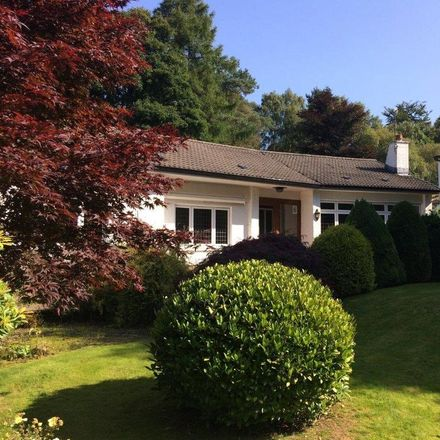 Rent this 3 bed house on Drumclog Avenue in Milngavie G62 8NA, United Kingdom