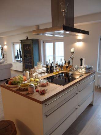 Rent this 5 bed apartment on Petersstraße 88 in 47798 Krefeld, Germany